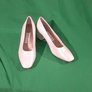 Nordstrom comfort construction 8.5W cream heels